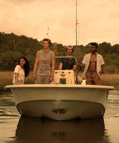 Danger Lurks On The Outer Banks Of Netflix's New Teen Drama - Netflix Movies - Best Movies on Netflix - New Movies on Netflix Photo Wall Collage, Picture Wall, Surf Mar, The Pogues, Mystery, New Teen, Paradise On Earth, Movies Showing, Aesthetic Pictures