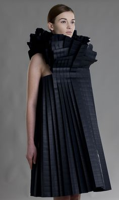 Best in Sculptural Fashion: Beautiful specimen of wearable Architecture. This pleated paper dress with sculptural silhouette & textures by Morana Kranjec is fabulous. Anti Fashion, 3d Fashion, High Fashion, Fashion Dresses, Fashion Design, Paper Fashion, Origami Fashion, Fashion Fabric, Structured Fashion