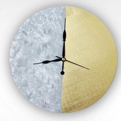 Learn how to make this amazing two-toned wall clock.