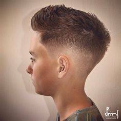 Texture haircut with fade - Men Hairstyle - Barber Haircut Barber Haircuts, Haircuts For Men, Textured Haircut, Hair Cuts, Hairstyle, Man Haircuts, Haircuts, Hair Job, Hair Style