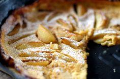 Serpenyős palacsinta karamellizált almával - RozéKacsa Waffles, Pancakes, Apple Pie, Erika, Yum Yum, Desserts, Food, Tailgate Desserts, Deserts