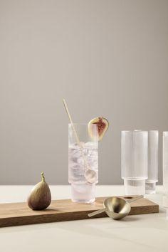 Medidor y vasos de #