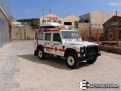 MARCAS MODELOS DE FURGONETAS Y TODOTERRENOS PARA AMBULANCIAS 4X4 ( último capítulo )  http://ambulanciasyemerg.blogspot.com.es/2015/02/todoterrenos.html