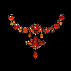 Necklet of carnelians set in gilded silver, made in Germany, about 1740-50