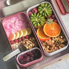 Recette Bento - Cocoa and mapple sirup muesli - Monbento Snack Box, Bento Box Lunch, Muesli, Portable Snacks, Savory Muffins, Salad In A Jar, Bento Ideas, Lunchbox Ideas, Lunch Box Recipes