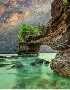 Starry night at Tanah lot, bali Repins or Likes would be awesome. Don't forget to listen to my music on youtube :) Thank you