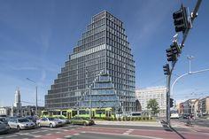 Vrijdag 2 juni 2017 werd in Poznan het door MVRDV ontworpen Baltyk gebouw feestelijk geopend. Architectenweb reisde af naar naar de Poolse stad om de opening bij te wonen en sprak met architect Nathalie de Vries over het ontwerp.