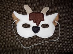 Such a fun design! Includes and sizes. Wooden Projects, Projects For Kids, Machine Embroidery Designs, Embroidery Patterns, Goat Mask, Billy Goats Gruff, Diy Costumes, Costume Ideas, Diy Mask