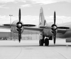 side view of a B29  Bomber - Big Plane!