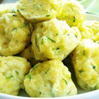 Recept : Cuketové noky | ReceptyOnLine.cz - kuchařka, recepty a inspirace Potato Salad, Cauliflower, Food And Drink, Potatoes, Vegan, Vegetables, Ethnic Recipes, Cauliflowers, Potato