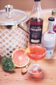 Vintage inspired cocktails Photo by Myles Katherine | 100 Layer Cake #vintage #pastel #cocktails