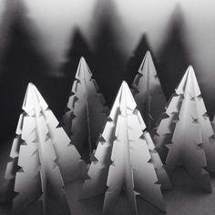 Sonobe unit origami improvisation by Coco Sato