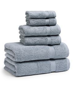 Kassatex Mateo Ribbed Zero-Twist Bath Towels - Water Blue Bath Towel From Kassatex, these towels combed zero-twist cotton with ribbed weight unbelievably soft, plush and medium weightBath towel features a sewn-in hanger loopBath towel: 30 Blue Hand Towels, White Towels, Best Bath Towels, Bath Towel Sets, Blue Bath, Luxury Towels, Beach Towel