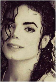 My eternal love... Michael Jackson - Cuteness in black and white ღ  @carlamartinsmj