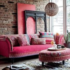 50 Boho Inspired Home Decor Plans Boho Lounge, Lounge Decor, Bohemian Furniture, Bohemian Interior, Reupholster Furniture, Upholstered Furniture, Interior Rugs, Interior Design, Boat Interior