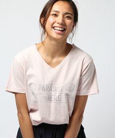 【ZOZOTOWN】BAYFLOW(ベイフロー)のTシャツ/カットソー「【MALIBU NATIVE BLUE×BAYFLOW】PARADISE VネックTシャツ」(715631)をセール価格で購入できます。