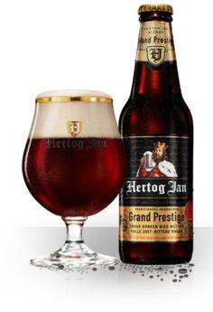 Grand Prestige - Karaktervol Hertog Jan Grand Prestige is een stevig bier voor winterse dagen bij de open haard; kastanjebruin van kleur, zoet en aangenaam bitter van smaak. Een bier om in alle rust van te genieten, behaaglijk als een warme deken. Vanwege het relatief hoge alcoholpercentage (10%) wordt het kroonjuweel van de brouwerij  ook wel aangeduid als 'gerstewijn'.