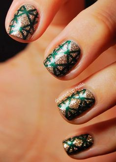 Silver & Green christmas nails, christmas nails ideas for 2013, 2013 christmas nails design #christmas #nail #art www.loveitsomuch.com