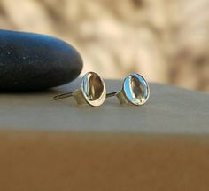 Hey, I found this really awesome Etsy listing at https://www.etsy.com/listing/500804137/simple-sterling-silver-dot-stud