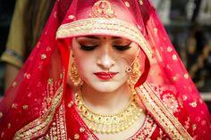 Bridal Portrait Poses, Bridal Poses, Bridal Photoshoot, Wedding Poses, Wedding Dresses Men Indian, Indian Wedding Bride, Indian Weddings, Wedding Wear, Indian Wedding Photography Poses