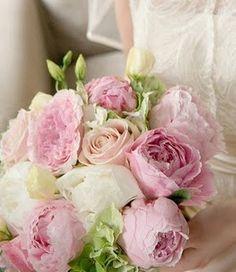 Brautstrauss: rosa Pfingsrosen, weiße Hortensien