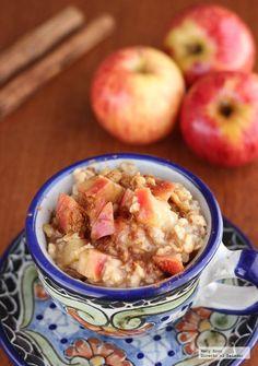 Receta de avena con manzana, miel y canela. Con fotografías paso a paso, consejos y sugerencias de degustación. Recetas para el desayuno...