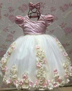 63 New Ideas Baby Girl Dresses Pattern Fancy Baby Girl Dress Patterns, Little Dresses, Little Girl Dresses, Baby Dress, Girls Dresses, Flower Girl Dresses, Kids Party Frocks, Kids Frocks Design, Dress Anak