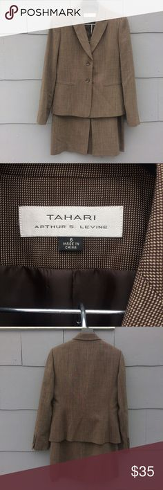 """Tahari Lightweight Wool Skirt Suit Tailored jacket and pencil skirt.  Fully lined.  Front button closure jacket; back zip, hook and eye closure skirt.  Measurements laid flat:  skirt waist - 14.5""""; skirt length - 24.5""""; jacket armpit to armpit - 19.5""""; jacket length - 24.5""""; jacket sleeve - 24"""".  Like new! Tahari Skirts Pencil"""