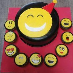 Torta carita feliz alegre y 9 cup cakes