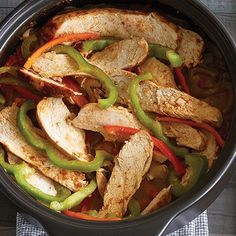 Quick Chicken Fajitas - In a rush? These quick chicken fajitas come together quickly in the microwave and taste just as good as in a skillet. Quick and easy dinner idea! The Pampered Chef, Pampered Chef Recipes, Pampered Chef Chicken Fajita Recipe, Recipe Chicken, Crunchwrap Supreme, Food Dishes, Main Dishes, Dishes Recipes, Recipes Dinner