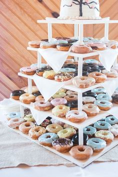 Pastel wedding donuts / http://www.himisspuff.com/wedding-donuts-displays-ideas/4/