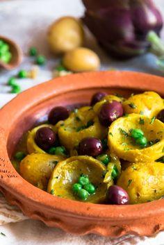 Artichoke Tagine with Peas, Baby Potatoes and Preserved Lemon (vegan) — My Moroccan Food Vegetarian Recipes, Cooking Recipes, Healthy Recipes, Healthy Food, Tagine Cooking, Morrocan Food, Tagine Recipes, Vegan Tagine Recipe, Artichoke Recipes