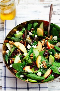 Make Ahead Thanksgiving Recipes Like this Apple, Cranberry & Walnut Salad with Homemade Vinaigrette #thanksgiving #recipes #salad
