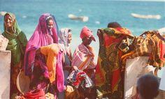 Somalia beach girls Mogadishu, 1979. Ph: David Bridgen