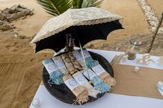 Wedding Blog, Dream Wedding, Welcome Gifts, Table Decorations, Bodas, Dinner Table Decorations, Center Pieces
