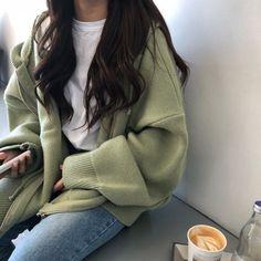 Korean Girl Fashion, Korean Fashion Trends, Korean Street Fashion, Korean Fashion School, Mode Outfits, Fashion Outfits, Fashion Tips, 80s Fashion, Fashion Quiz