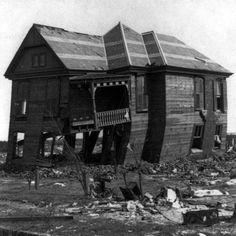 Galveston, Texas Hurricane Picture in 1900 - Underwood & Underwood