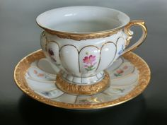 Lovely porcelain cup and saucer set by Meissen, Germany 1934-1957