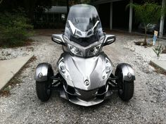 I love my Can Am Spyder!