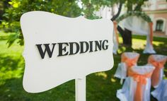 DOs and DON'Ts: Wedding Attire