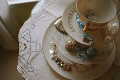 Stacked Teacup Jewelry Stand DIY.....also a good idea for the bedroom