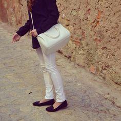 Have you seen my blog? www.ideassoneventos.com #ideassoneventos #imagenpersonal #imagen #moda #ropa #looks #vestir #fashion #outfit #ootd #style #tendencias #fashionblogger #personalshopper #blogger #me #streetstyle #postdeldía #blogsdemoda #instafashion #instastyle #instalife #instagood #instamoments #job #myjob #currentlywearing #clothes #casuallook #pantalónroto