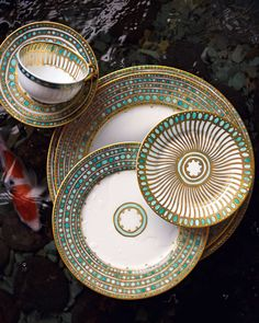 I love this color combination and the design. Haviland Syracuse turquoise.