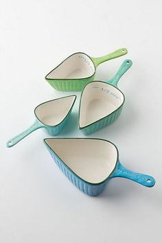 Measuring Cups Spades Measuring Cups at Anthropologie - would look so great hanging on the kitchen wall instead of tucked in a drawer. Spades Measuring Cups at Kitchen Items, Kitchen Utensils, Kitchen Tools, Kitchen Gadgets, Kitchen Decor, Baking Utensils, Kitchen Products, Kitchen Stuff, Bebidas Do Starbucks