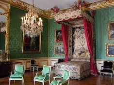 The Chamber of the Dauphin at the Château de Versailles (Palace of Versailles) in Versailles, France Chateau Versailles, Palace Of Versailles, Versailles Garden, Louis Xiv, Rey Luis Xvi, Royal Bedroom, Types Of Beds, Grand Homes, Bedrooms