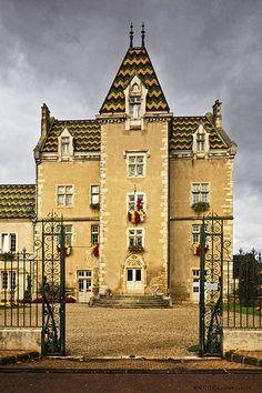 L'Hôtel de Ville, ancien château fort. Meursault. Bourgogne