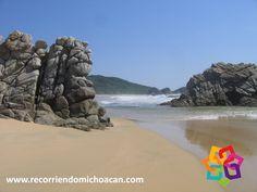 RECORRIENDO MICHOACÁN ¿Sabe cómo llegar a la playa La Llorona? Localizada a 190 kilómetros de Lázaro Cárdenas y a 12 kilómetros de Faro de Bucerías, puede llegar por la Carretera Federal 200, o también usar la nueva autopista Morelia-Pátzcuaro-Uruapan-Cuatro Caminos. Le invitamos a visitar las hermosas playas de Michoacán en sus próximas vacaciones a nuestro bello estado. HOTEL DELFÍN PLAYA AZUL  http://www.hoteldelfinplayaazul.com/portal/