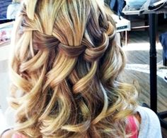 omg gorgeous waterfall braid with curls.