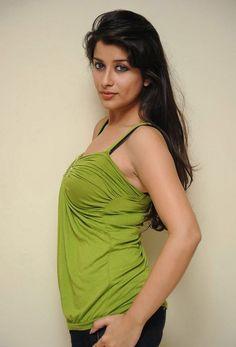 Beautiful and Sexy Tamil Girls Photos Indian Film Actress, Indian Actresses, Tamil Girls, Bollywood Cinema, Hot Cheerleaders, Beautiful Lips, Most Beautiful Indian Actress, Best Actor, Bikini Girls