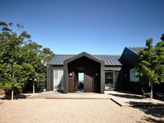 The black house. A contemporary take on a traditional farm house from Canny Architecture set on the rolling hills of Flinders on the Mornington Peninsula. Style At Home, Farmhouse Design, Modern Farmhouse, House Seasons, Dark House, Home Fashion, Exterior Design, Building A House, Architecture Design